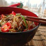 Tatlı Ekşi Soslu Sebzeli Çin Eriştesi