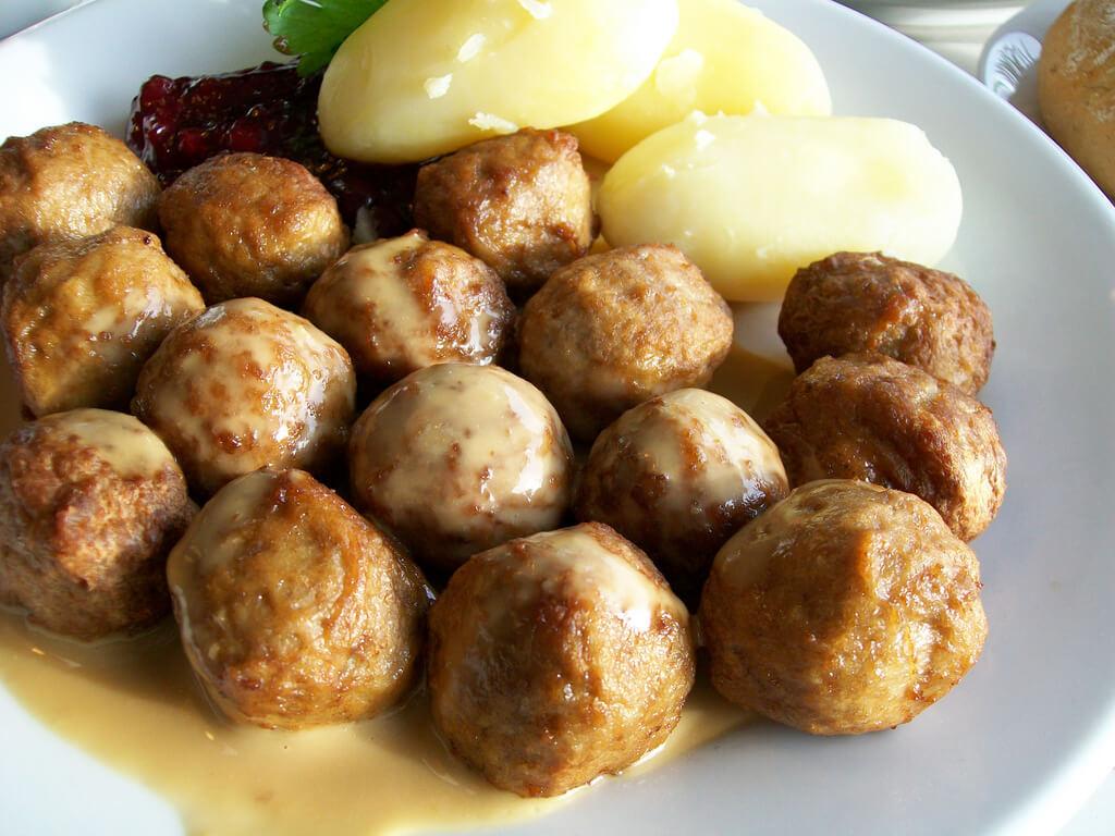 İsveç Köftesi Tarifi, İkea Köftesi Nasıl Yapılır